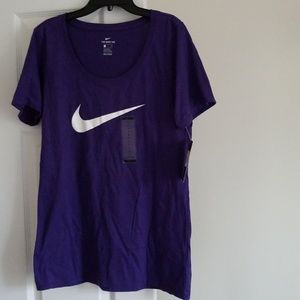 💥2 FOR $25💥NWT! ATHLETIC CUT NIKE TEE